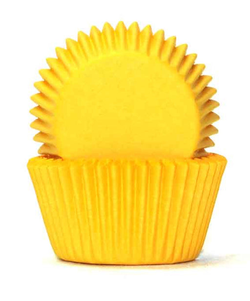 408 Yellow Baking Cups Sold in packs of 100 pieces.