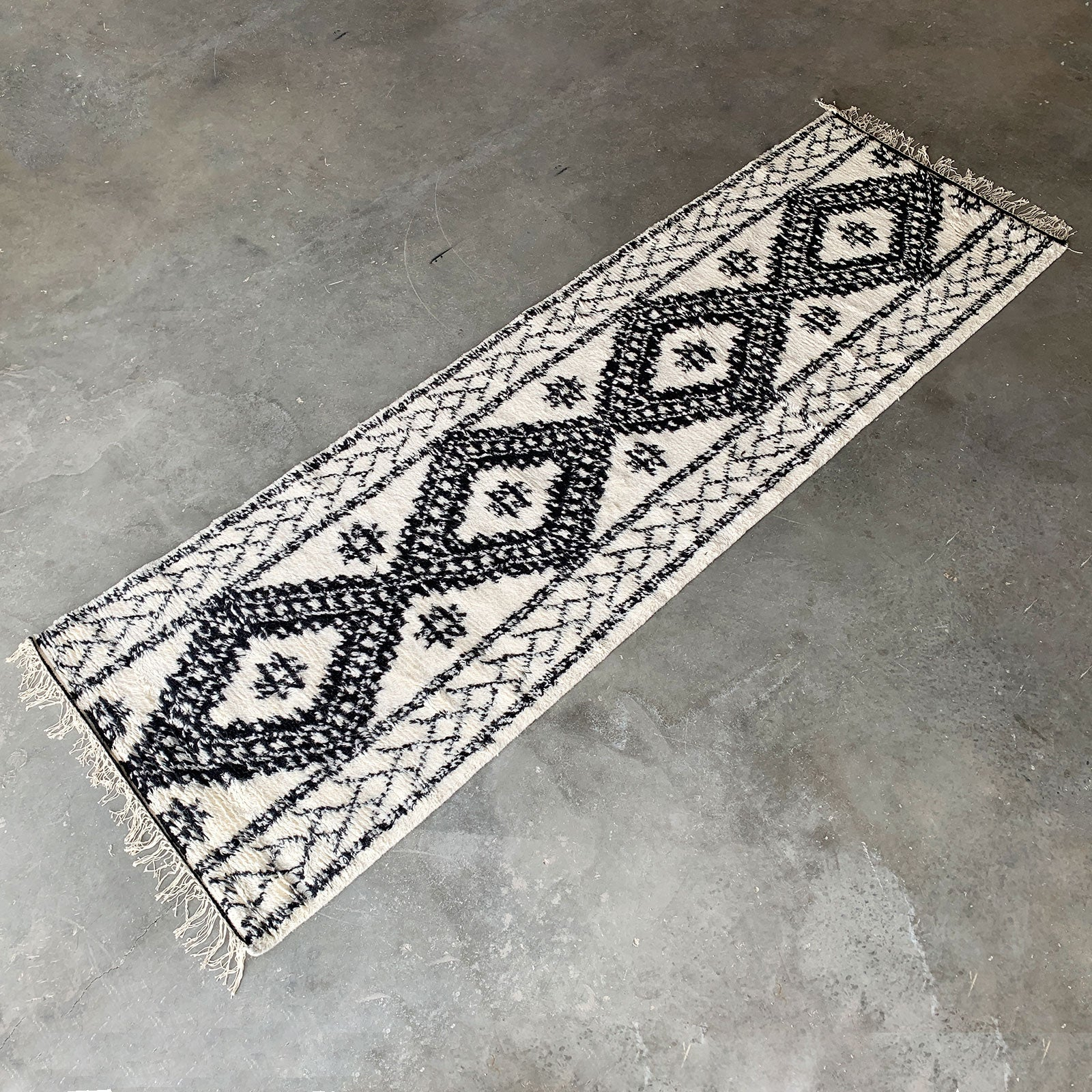 300X90 Moroccan Style  handmade  Rug JH-2709-Long -  300 × 90 على الطراز المغربي صناعة يدوية - Shop Online Furniture and Home Decor Store in Dubai, UAE at ebarza