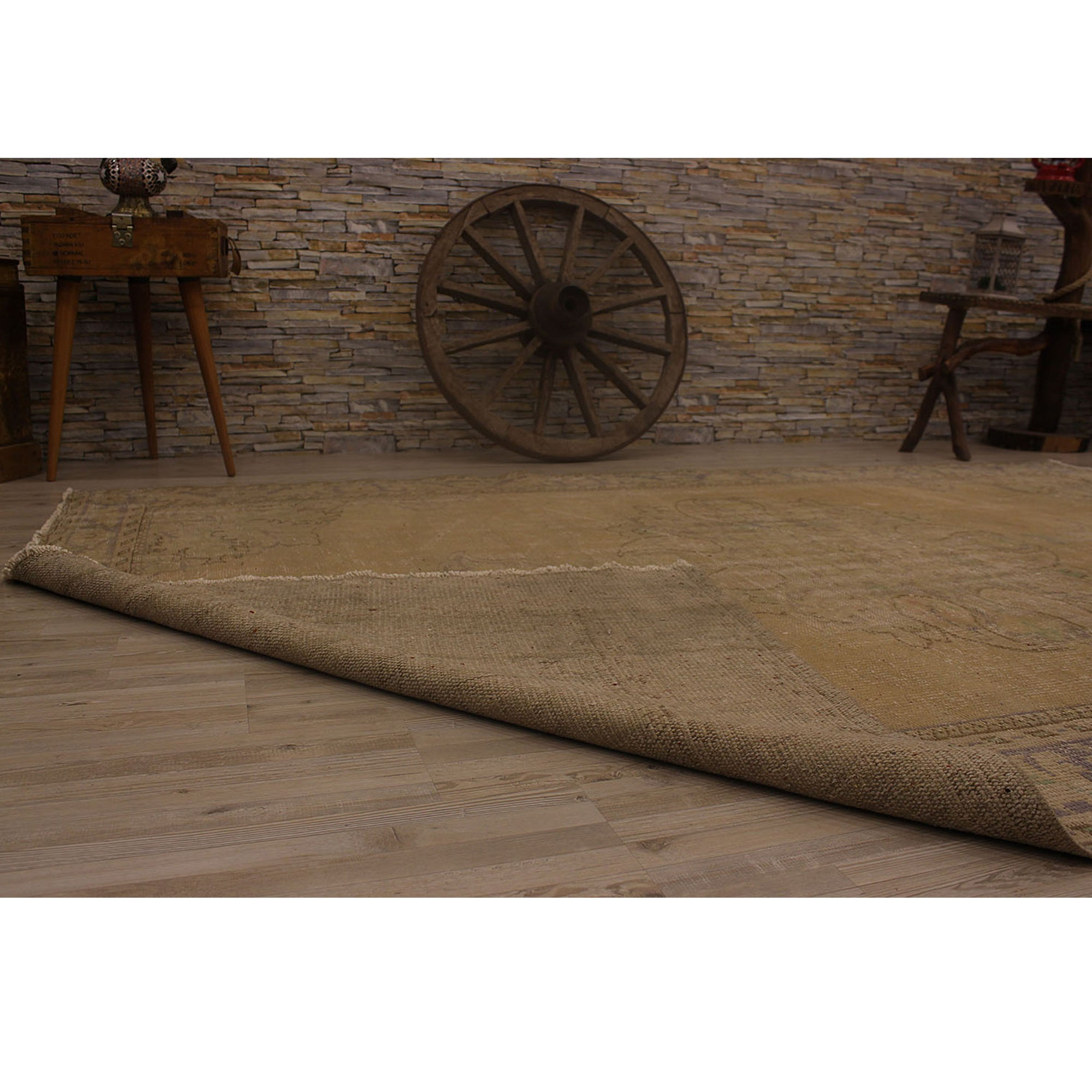 195 X 285 Anatolian Hand Knotted Carpet Vintage Style 60N2357 -  195 × 285 سجادة أناضولية معقودة يدويًا - Shop Online Furniture and Home Decor Store in Dubai, UAE at ebarza