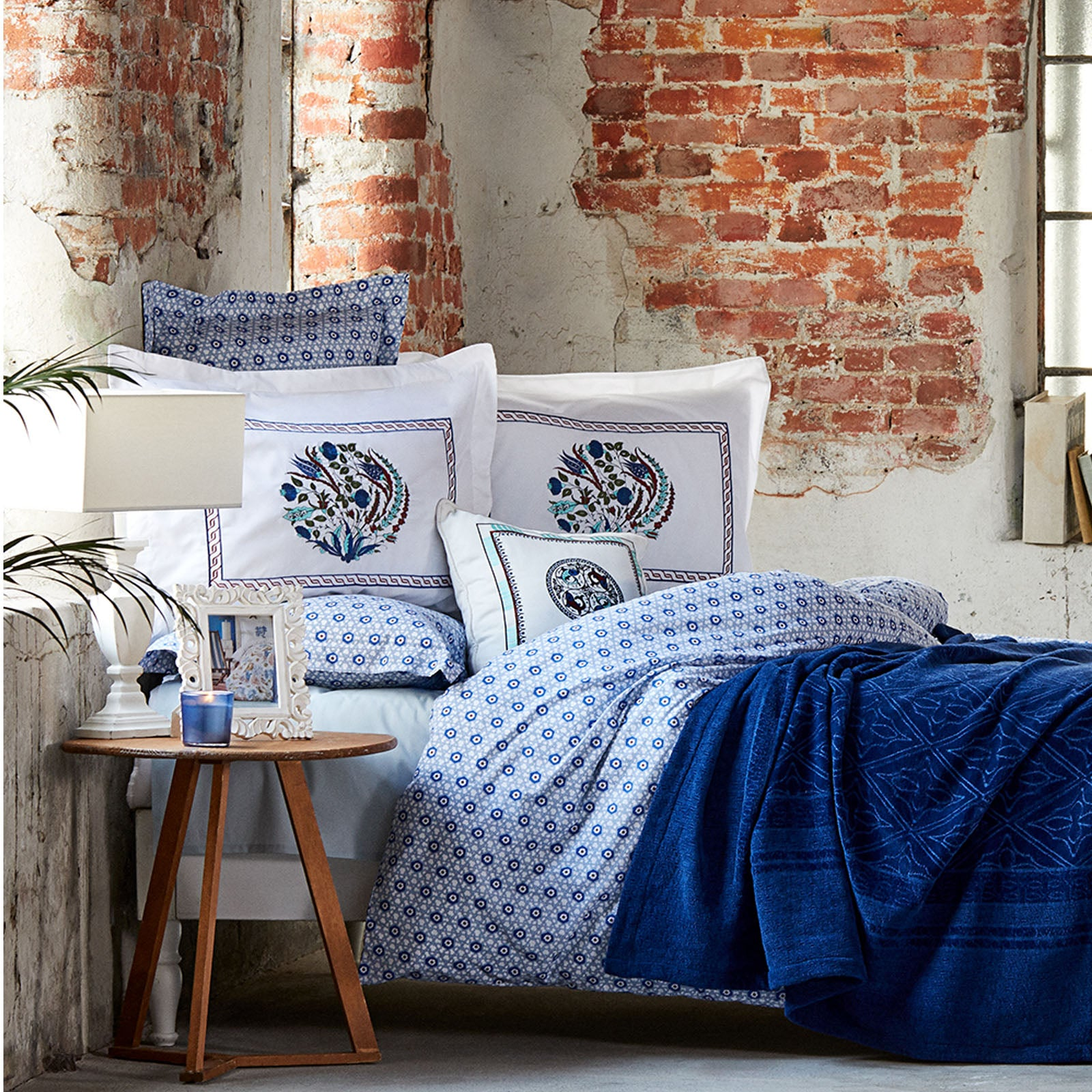 MAI LACIVERT  Bedding  Set 200.15.01.0185