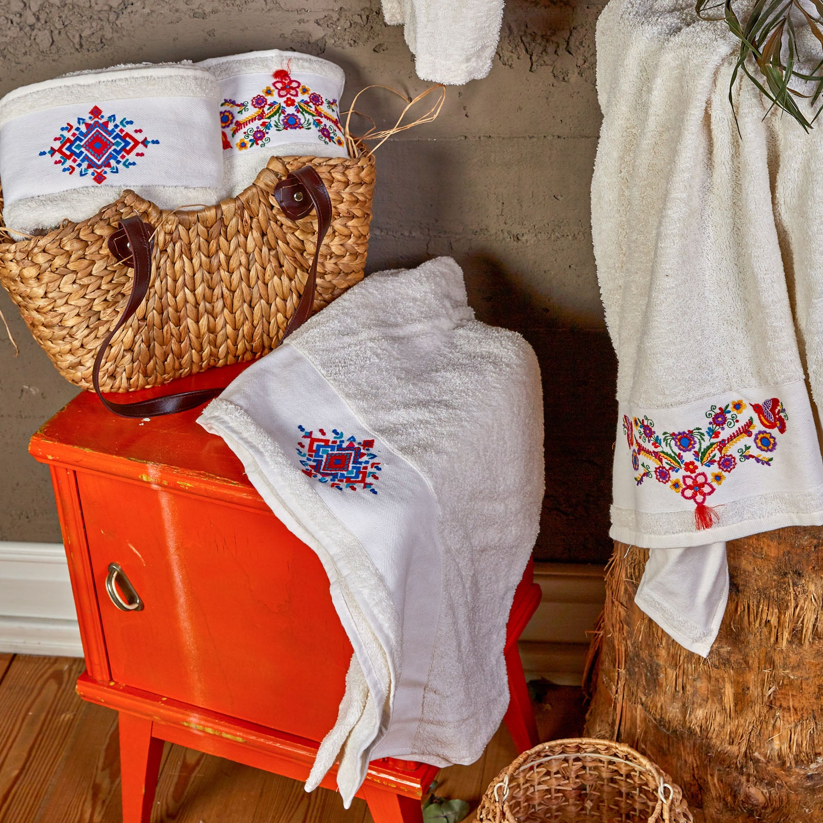 Pre-Order 50 days delivery Chipas Offwhite Embroidered Family Bathroom Set 200.16.01.0228