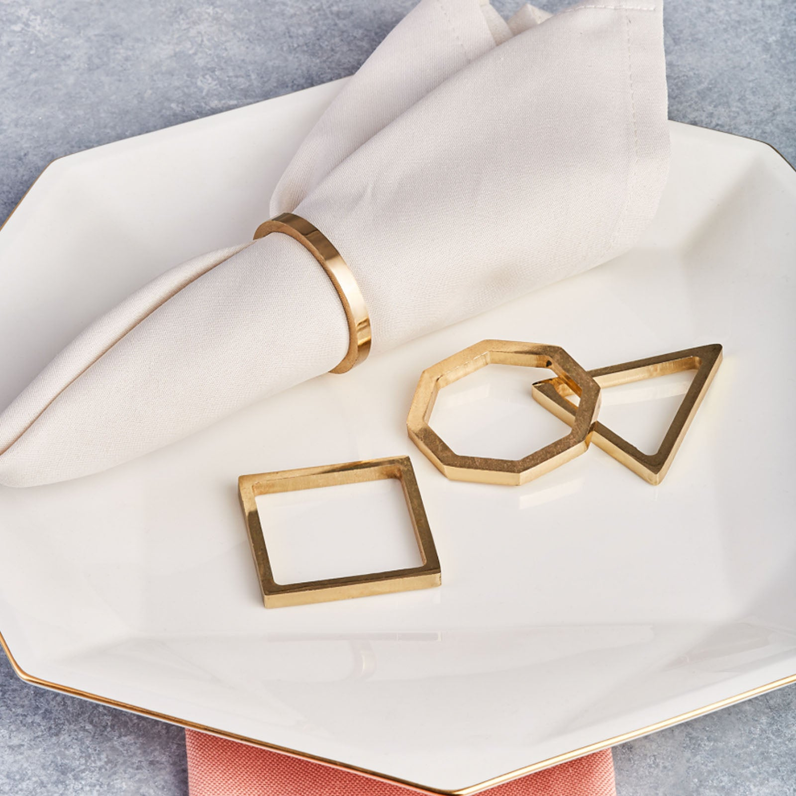 Karaca Geometric 4-Piece Napkin Ring Set Gold 153.19.01.1492