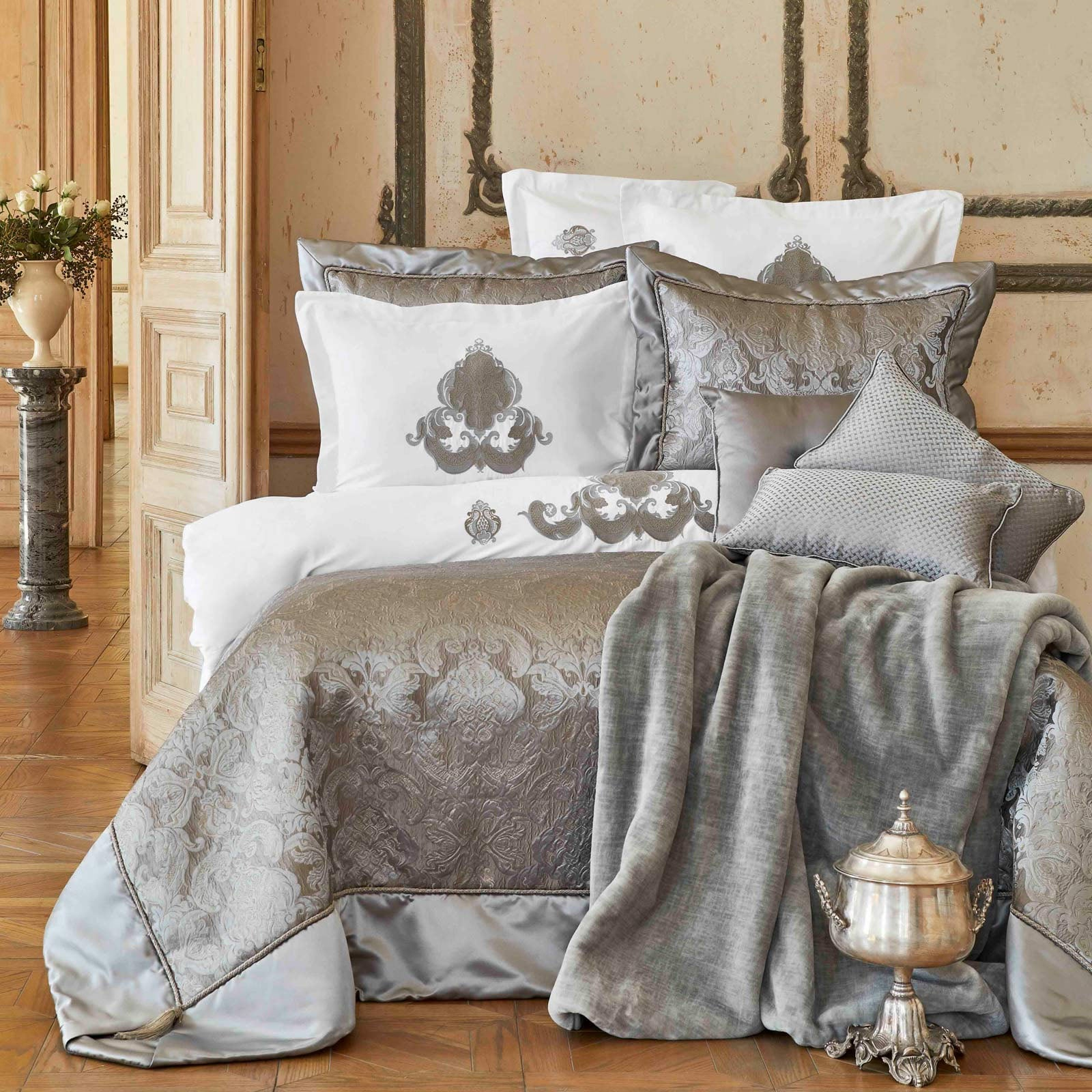 Karaca Home Cornelia Anthracite 6 Piece Silk Private Bed Cover 200.17.01.0116 -  كاراحا هوم كورنيليا أنثرا سايت 6 قطع غطاء سرير حريري خاص - Shop Online Furniture and Home Decor Store in Dubai, UAE at ebarza