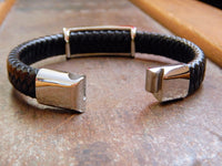 TrendyBracelets.Biz.Harley Davidson Stainless Steel and Black Leather Bracelet