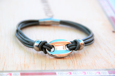 TrendyBracelets.Biz.Ladies Grey Leather and Chic Charm Bracelet