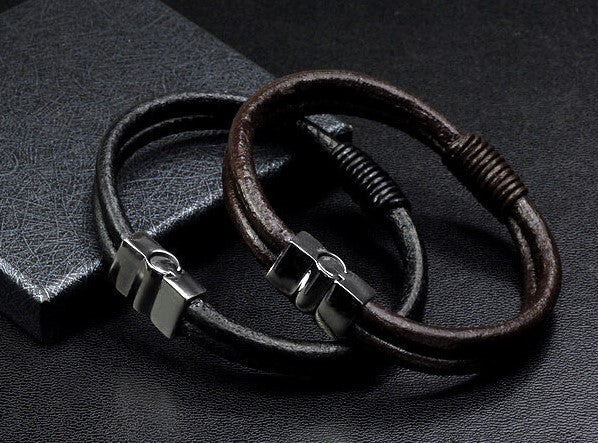 TrendyBracelets.Biz.Surfer's Black Leather Bracelet