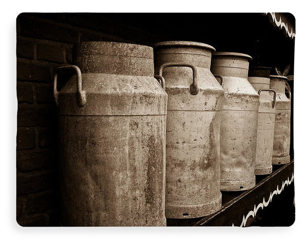 AMS-0031-Milk Canisters In Edam - Blanket