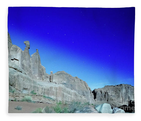 Arches National Park at night - Wall Street - Blanket