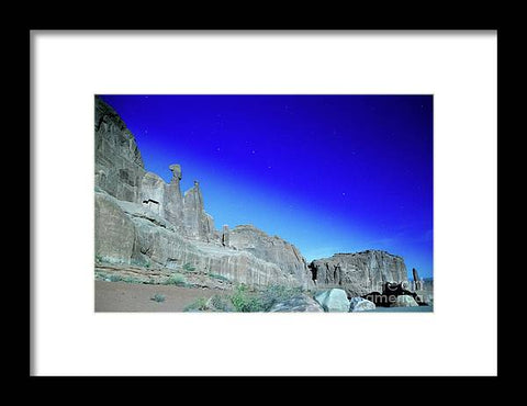 Arches National Park at night - Wall Street - Framed Print
