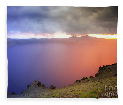 Crater Lake National Park at Sunset - Blanket