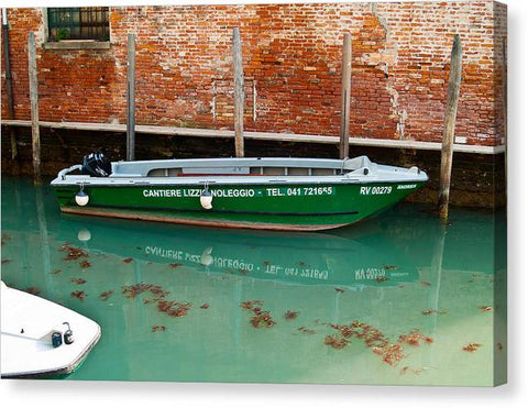 ITL-0035-Green Boat On Venetian Canal - Canvas Print