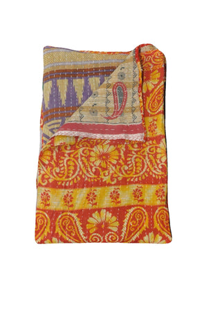 Organic Kantha Throws on sale Buy Vintage Sari Kantha Throw From India-Jaipur Handloom
