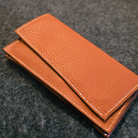 Long wallet with gusset