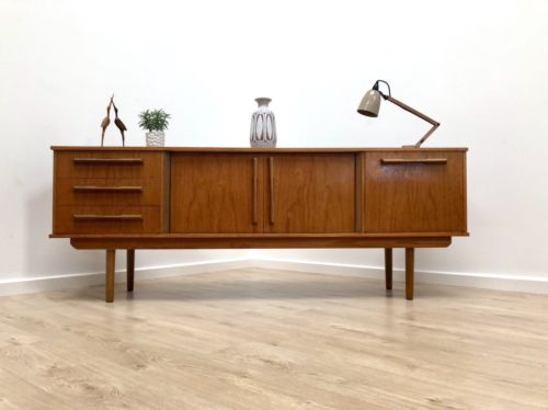 Superb Mid Century Vintage Teak Retro Sideboard Drinks Cupboard With Drawers