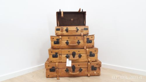 Stunning Set Of 4 Leather Giovanni Beruccio Italian Vintage Suitcases 1960's