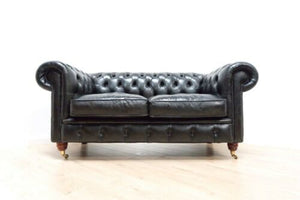 Superb Vintage Black Leather Chesterfied Club 2 Seater Sofa Settee /1066
