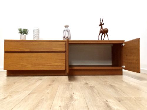 Mid Century Vintage Teak Long And Low Sideboard TV Media Unit Beaver And Tapley