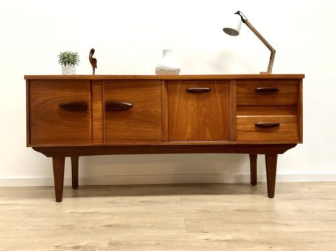 Superb Mid Century Danish Vintage Teak And Rosewood Sideboard Drinks Cabinet