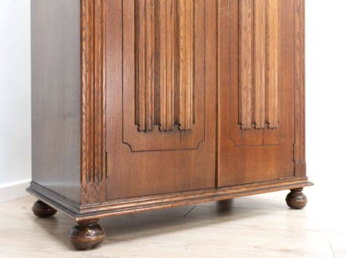 Superb Antique Oak Vintage Wardrobe Hall Linen Storage Cupboard /500