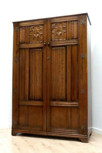 Stunning Antique Vintage Oak Carved Wardrobe Linen Cupboard Storage /708