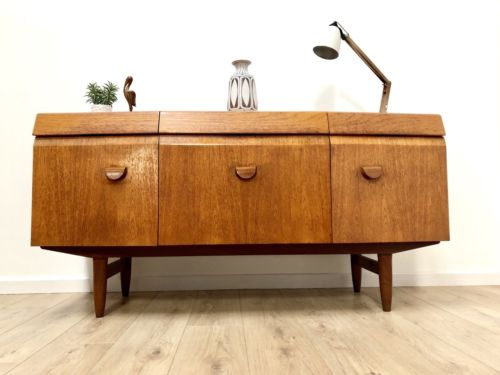 Superb Mid Century Vintage Teak Sideboard Credenza By Elliott's Of Newbury