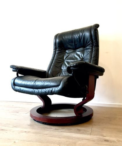 Ekornes Black Leather Stressless Recliner Armchair Lounge Chair Courier