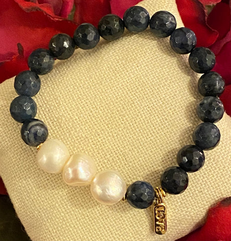 LOVE and HOPE Pearl bracelet