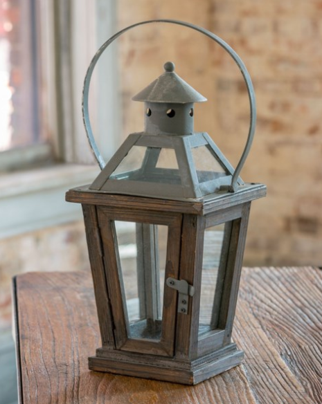 Park Hill Collection, Petite Esplanade Avenue Lantern, 4 Glass Panes, Rustic Finish