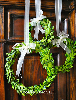 "8"" Preserved Boxwood wreath with Bow"