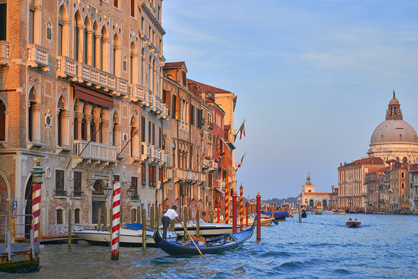 Lone gondola on the grand canal