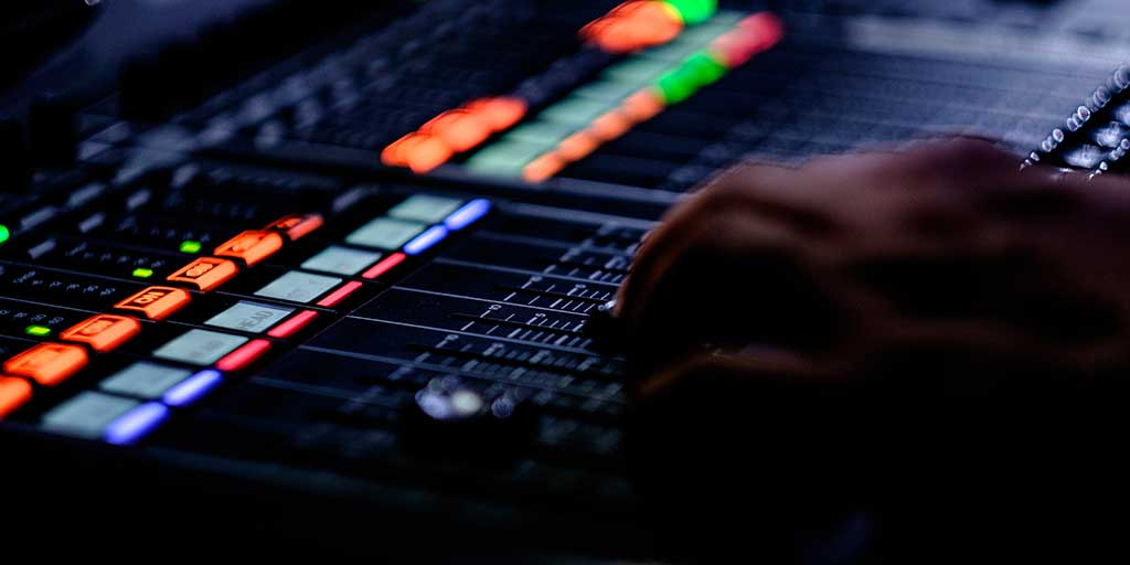 Why Every Engineer Should Learn Live Sound – Joey Sturgis Tones