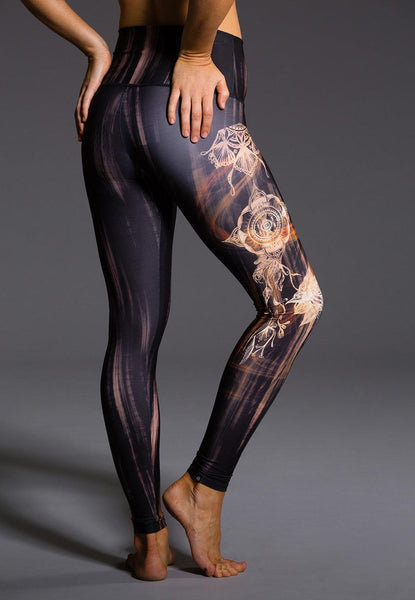 Onzie High Rise Graphic Leggings // HEMMVibes Blog