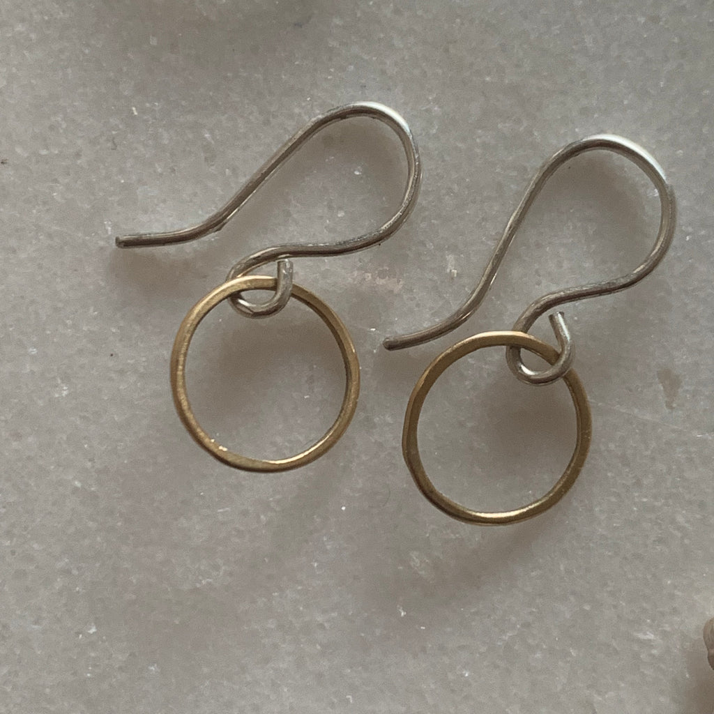 Mixed metal petite circle