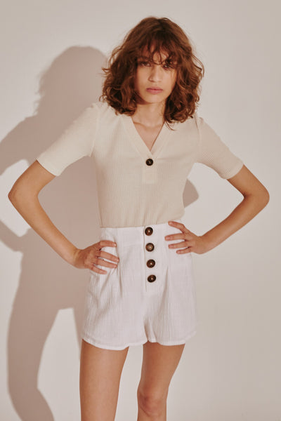 CLASSICAL SHORT white