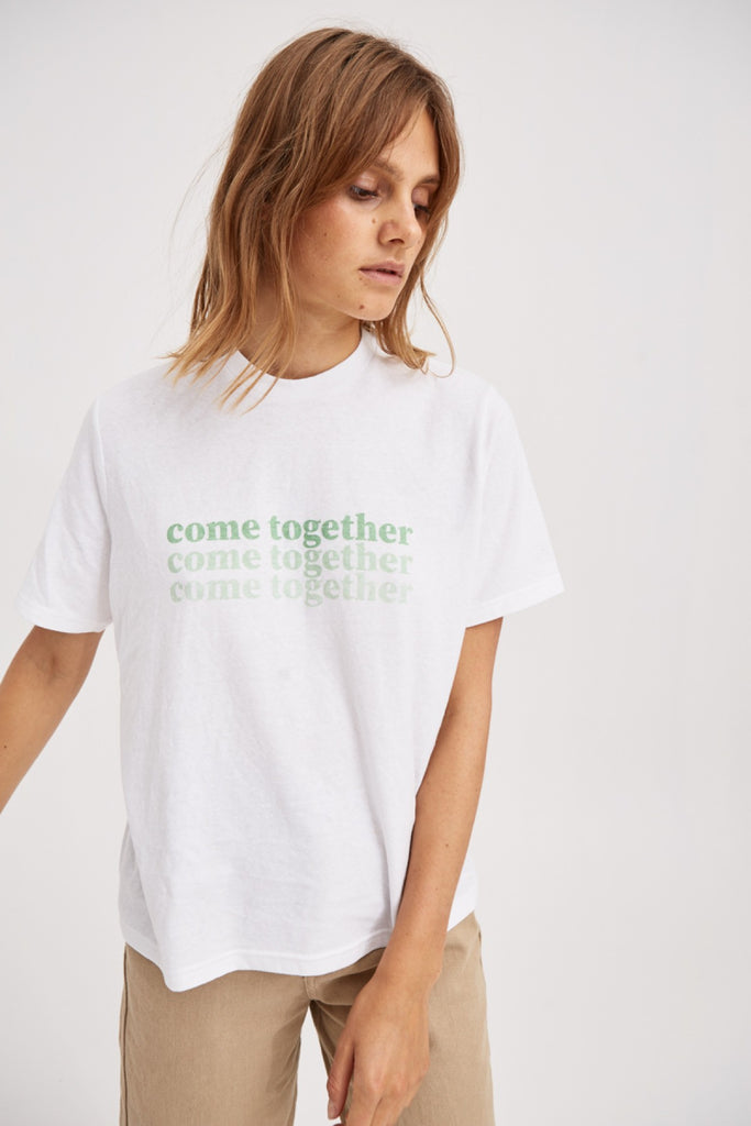 COME TOGETHER T-SHIRT ivory w green