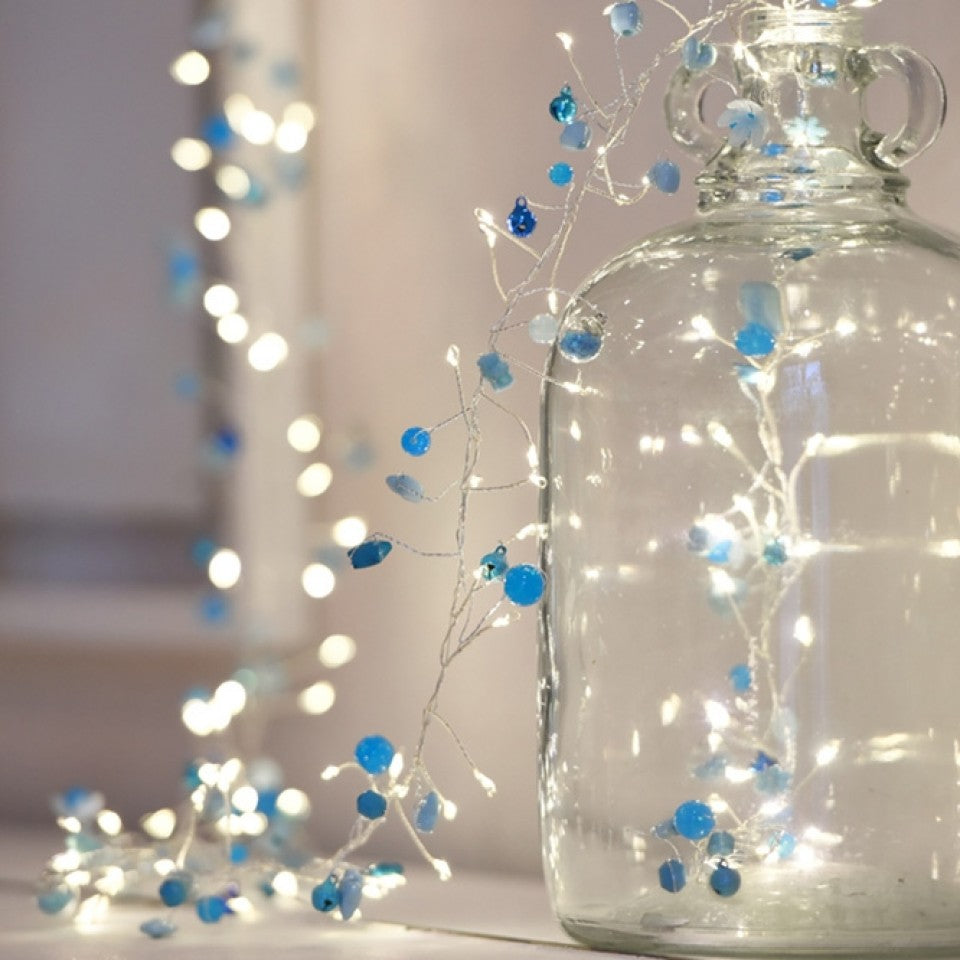 Azure LED light chain with blue beads