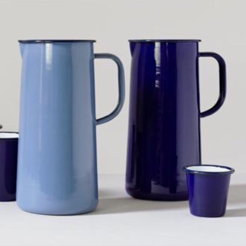 Falcon Enamelware 3 pint jugs in falcon, and periwinkle blue