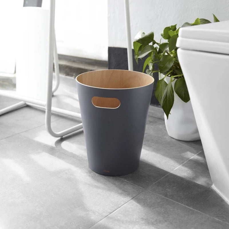 Umbra Woodrow waste bin in charcoal grey