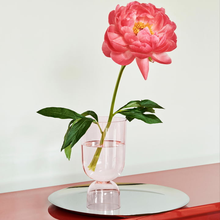 Bottoms Up vase in soft pink by Hay