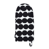 Marimekko black and white Räsymatto design oven glove