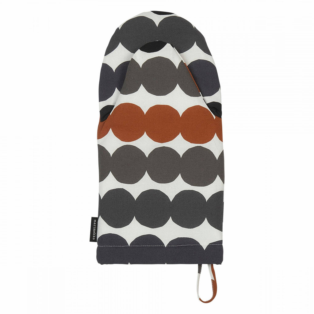Marimekko cotton oven glove in the Rasymatto pattern in white, grey and chestnut dots