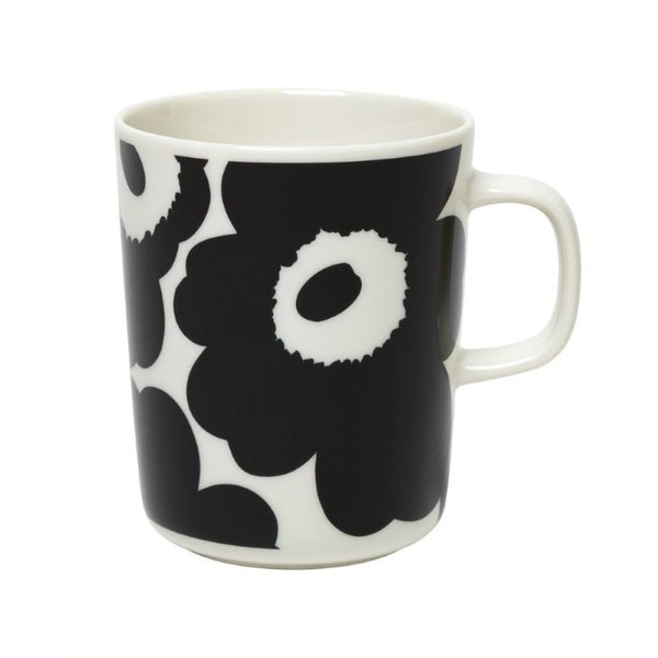 Marimekko Oiva Unikko Mug 2.5dl in white and black