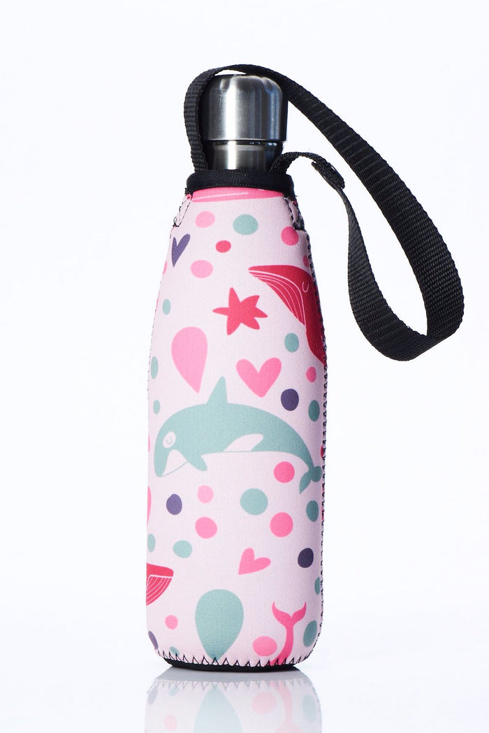 "TRVLR by BBBYO Cooler Carry Cover ""PINK WHALE"" - 17 oz"