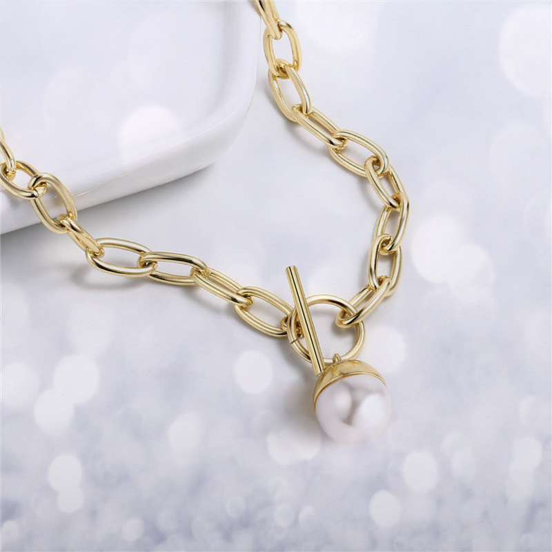 Statement Toggle Chunky Oval Clasping Link Choker with Pearl Pendant Necklace | ISAACSONG.DESIGN
