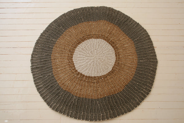 Handmade seagrass & recycled plastic rug / Natural, grey & white