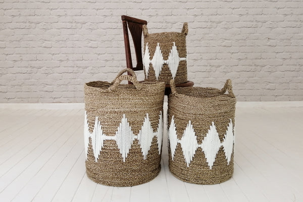 Sea grass laundry basket with macramé pattern