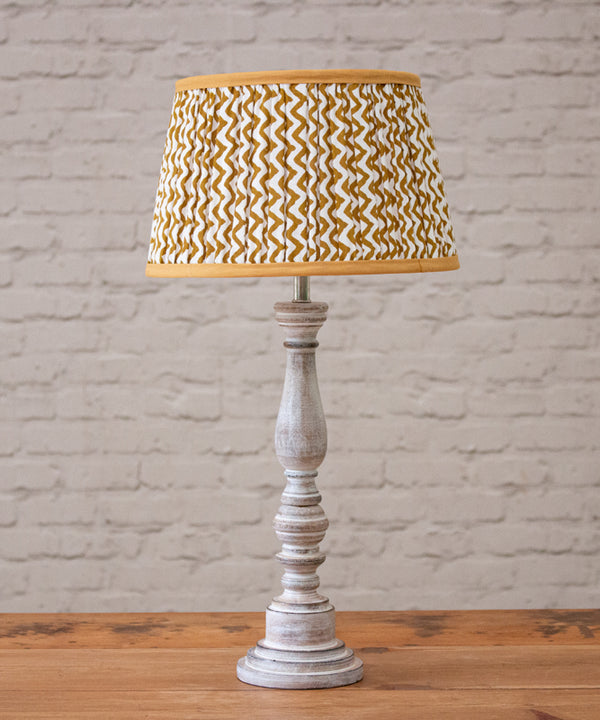 Wash wood lamp with shade