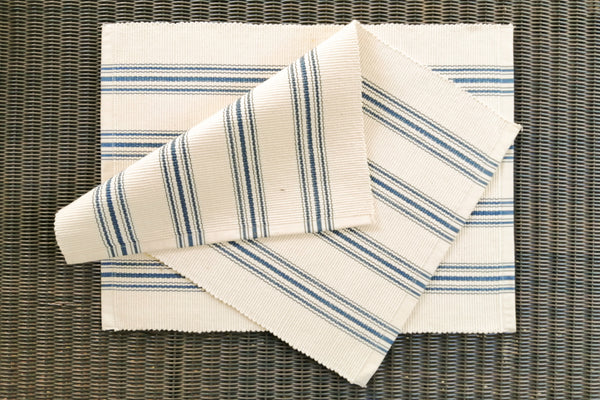 The Mistari placemat - Blue