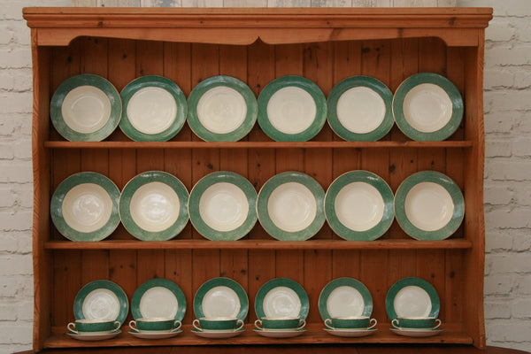 J&G Meakin ''Florida'' pattern white and green border china plates and bowls