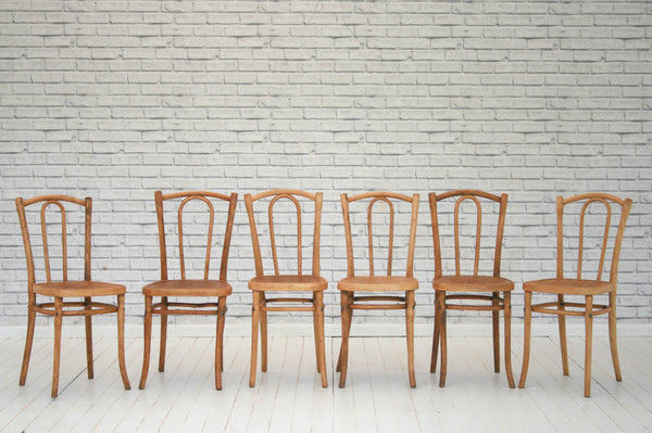 A set of six bentwood dining / kitchen chairs